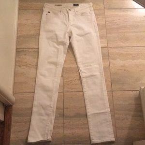 Super cute skinnny white jeans